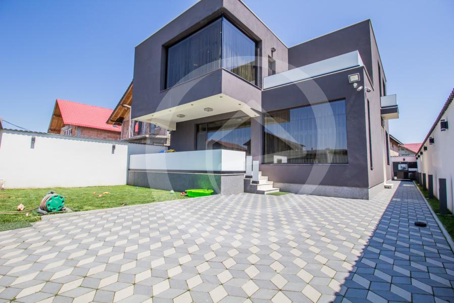Vila|Casa de vanzare, Brasov, Sanpetru
